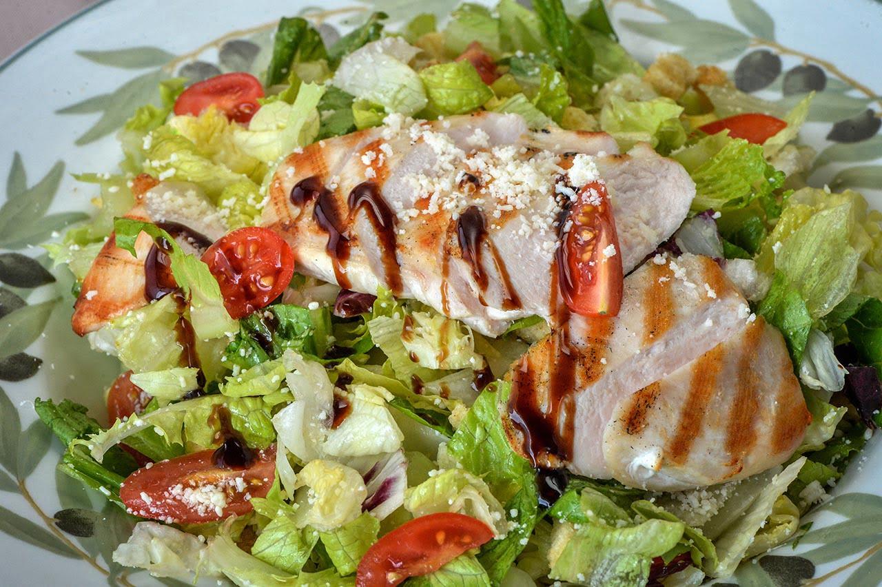 Di pollo salad